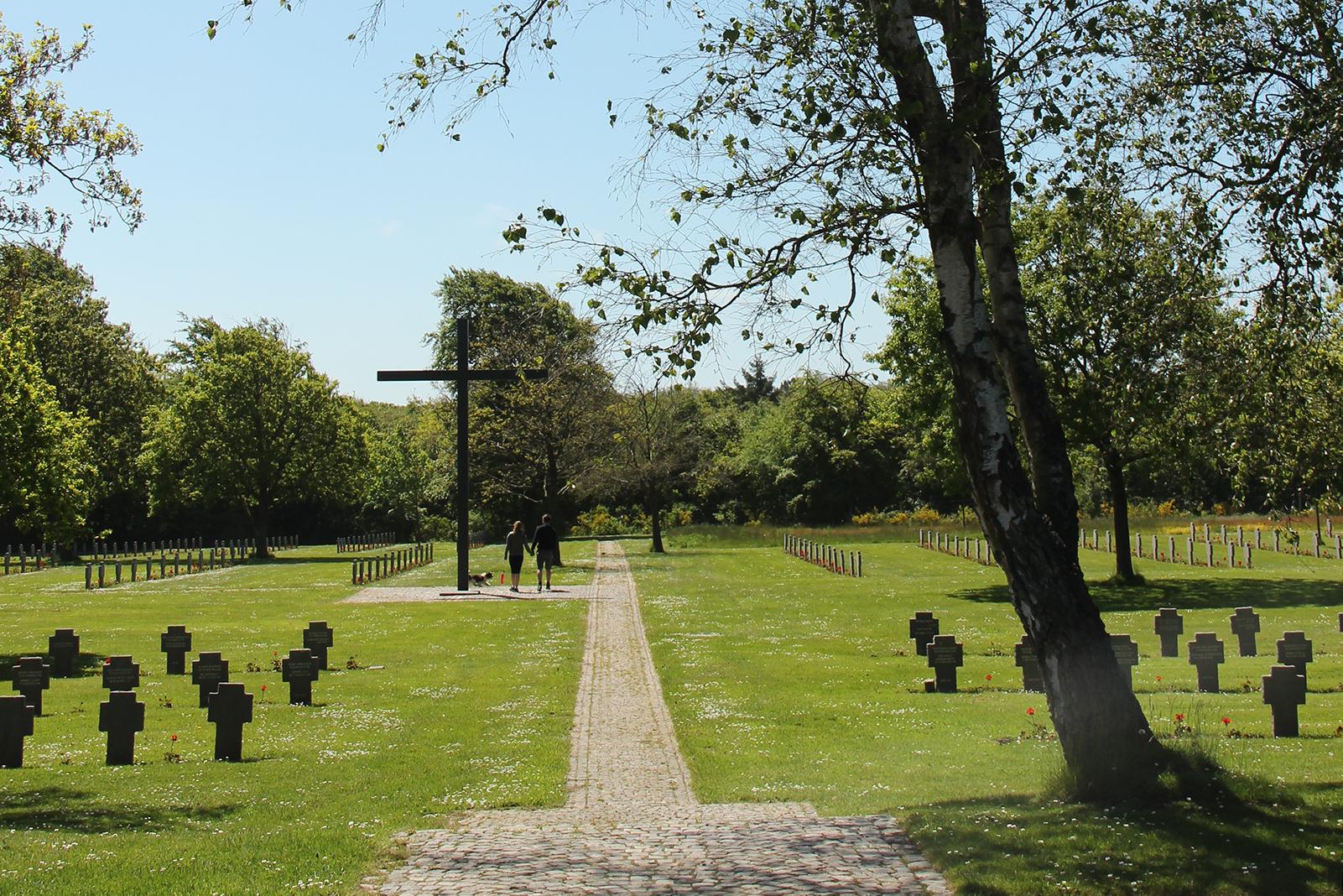 Fovrfeldt Gravlund monument