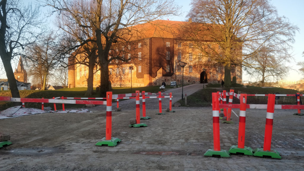 Koldinghus Staldgård_Parkering_Koldinghus MOOS LANDSKABER